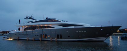 Exterior View of the Yacht Couach 3700Fly