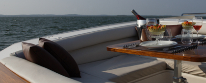 Exterior detail of the Yacht Couach 2100Open